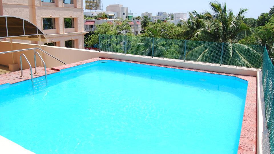 Raj Park Hotel - Chennai Chennai Pool Raj Park Hotel Alwarpet Chennai 2