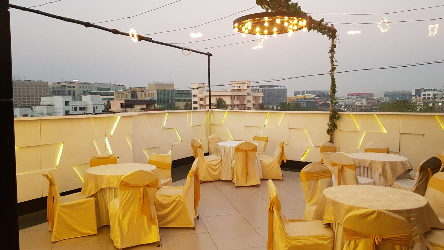 Dragonfly Hotels & Service Apartments   Hotels & Apartments in Andheri