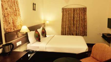 Mountain Retreat Resort in Ooty Hotel Room 4
