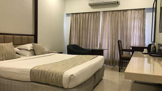 Deluxe Rooms Hotel Kohinoor Park Prabhadevi Mumbai 4