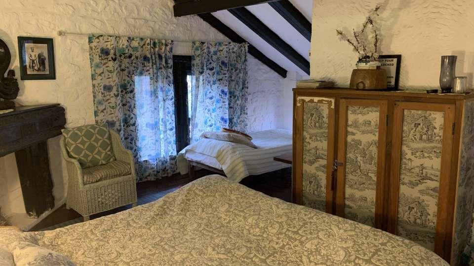 Room 1 at Bara Bungalow Jeolikote, budget hotel rooms in Nainital, hotel in Nainital