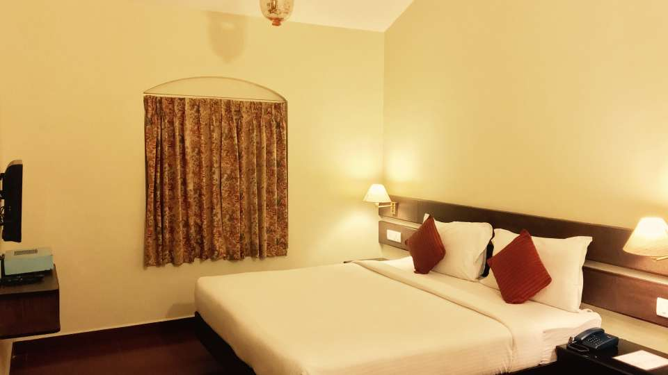 Mountain Retreat Resort in Ooty Hotel Room 1