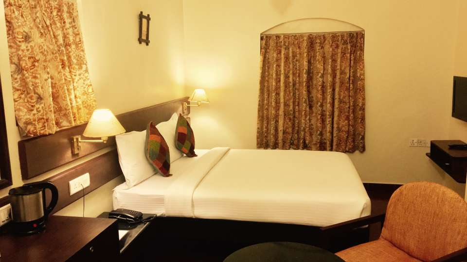 Mountain Retreat Resort in Ooty Hotel Room 4