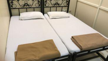 Standard Double Rooms - Kohinoor Lodge - Dadar Mumbai 1