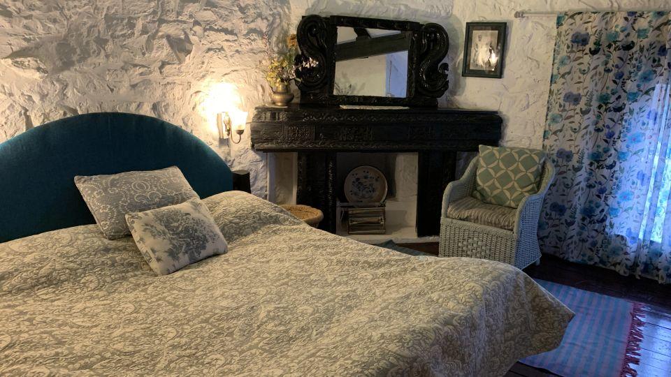 Room 2 at Bara Bungalow Jeolikote, budget hotel rooms in Nainital, hotel in Nainital