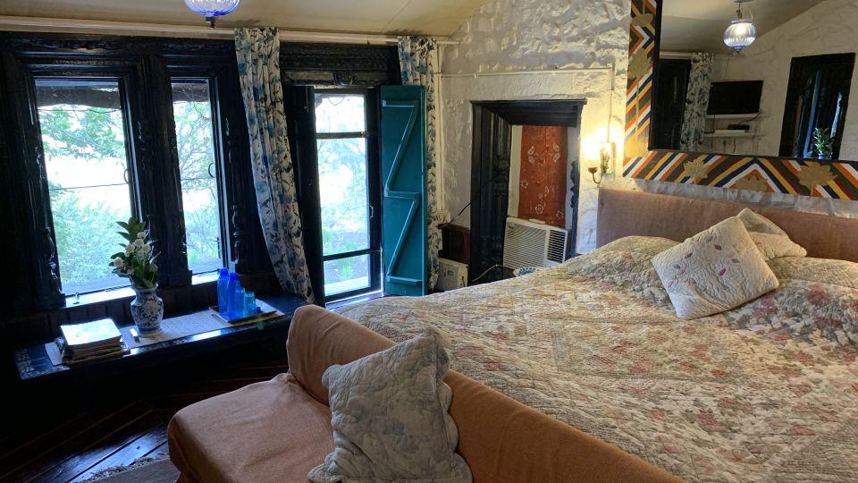 Room 4 at Bara Bungalow Jeolikote, budget hotel rooms in Nainital, hotel in Nainital