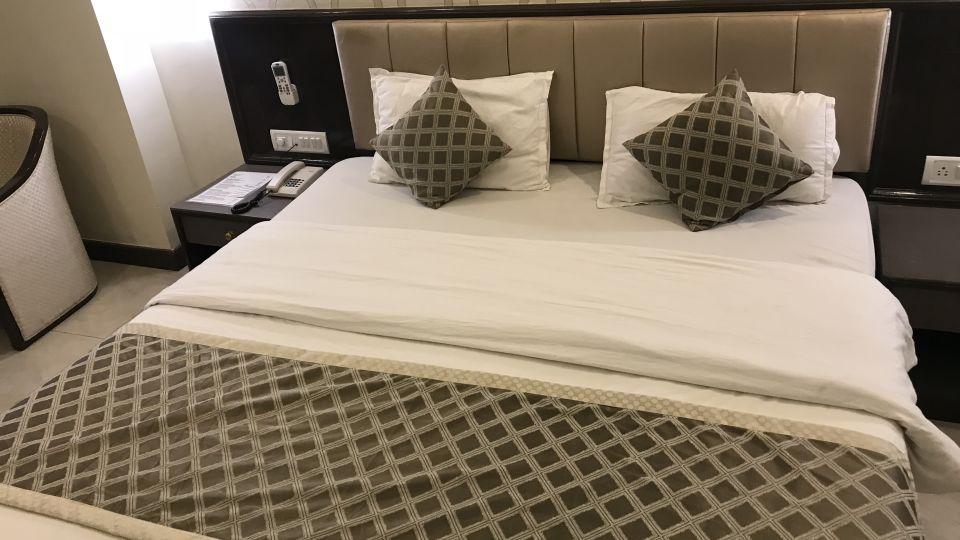 Rooms Kohinoor Executive Pune 12