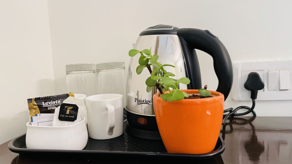Room Tray with Kettle