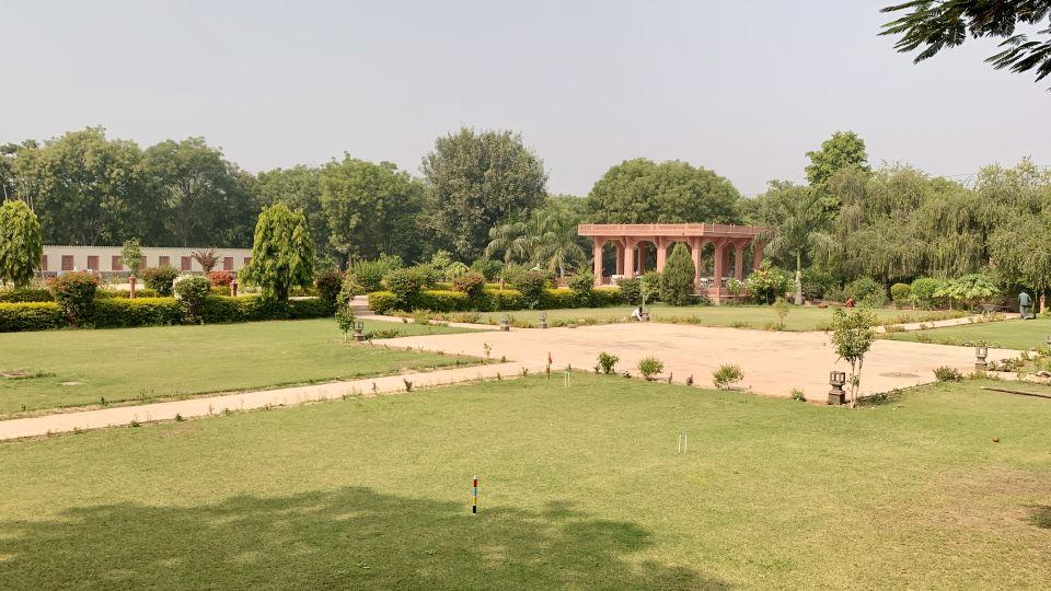 Palace Lawns