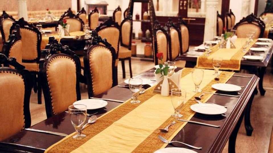 Traditional Heritage Haveli Hotel, Jaipur Jaipur Zaika Rest.