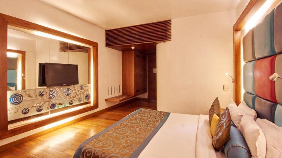 Deluxe Non Sea Facing Room at The Promenade Hotel Pondicherry 01