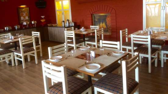 Restaurant Hill Country Mountain Retreat ooty 2
