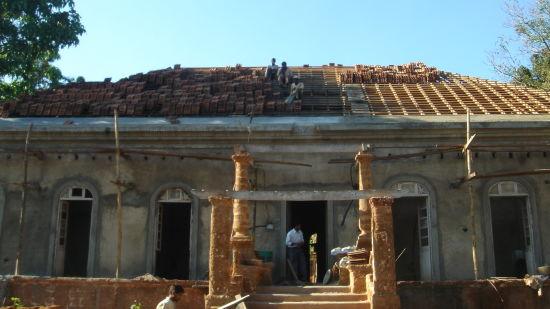 2 Front semi tiled Arco Iris - 19th C Curtorim Goa