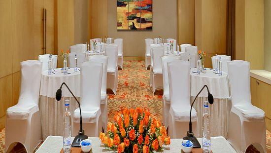 Small Banquet Radisson Mumbai Goregaon
