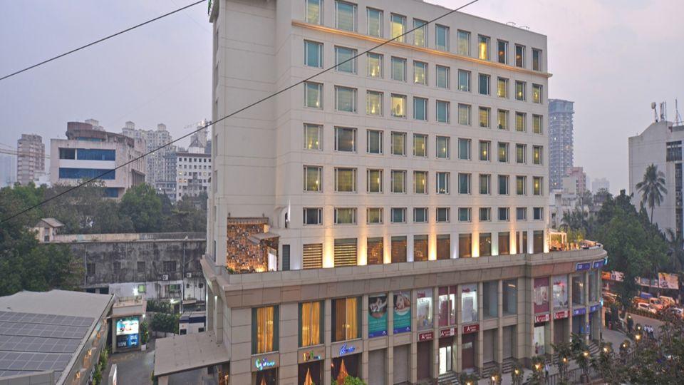 Facade Radisson Mumbai Goregaon 1