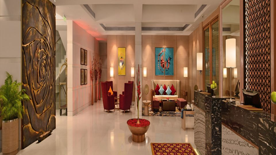 Lobby Radisson Mumbai Goregaon 2