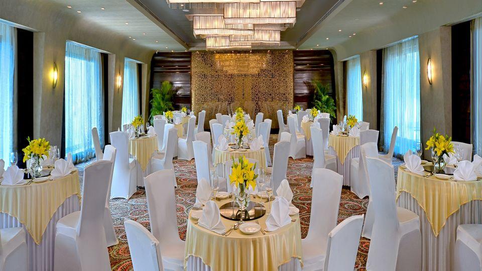 Round Table Radisson Mumbai Goregaon 2