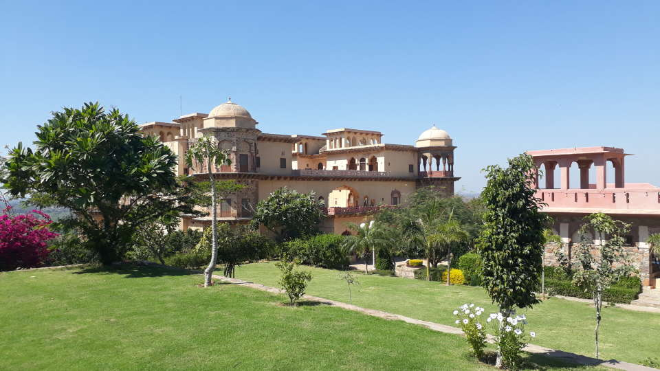 Facade_ Tijara Fort-Palace - 19th Century Alwar. Palace Hotel In Rajasthan 6