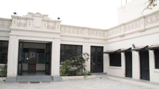 Kaba Gandhi, tourist attractions near Marasa Sarovar Portico, Rajkot