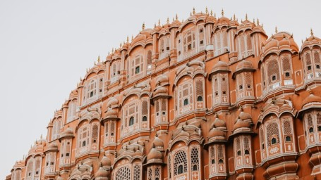 Sightseeing in Jaipur with Sarovar Hotels, Jaipur Sightseeing with Sarovar Hotels, Famous Forts in Jaipur with Sarovar, Best Hotels in Jaipur Sarovar Hotels