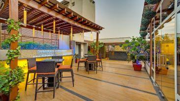 Restaurants At The Ashtan Sarovar Portico, Hotels in South Delhi, Business Hotel In Green Park 1