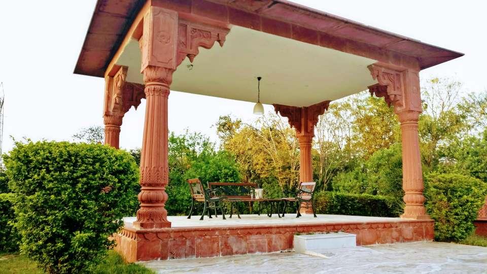 Umaid Lake Palace Dausa  4