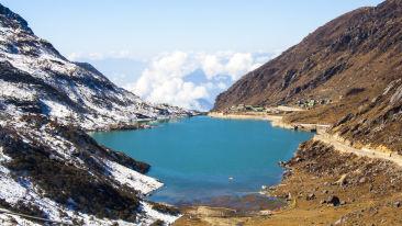 Tsongmo Lake or Changu Lake - East Sikkim