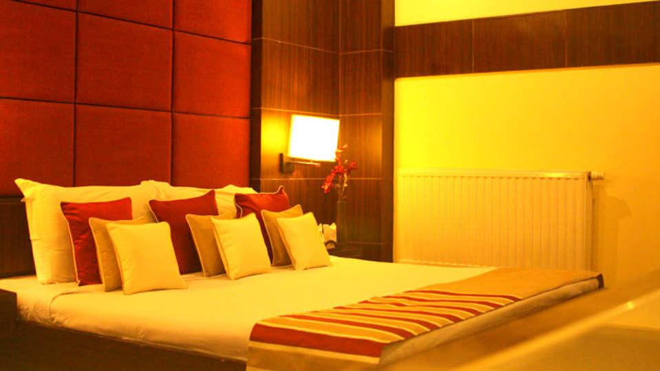 Quality Inn & Suites River Country Resort  Manali Super Sparrow Quality Inn Suites River Country Resort Manali 2