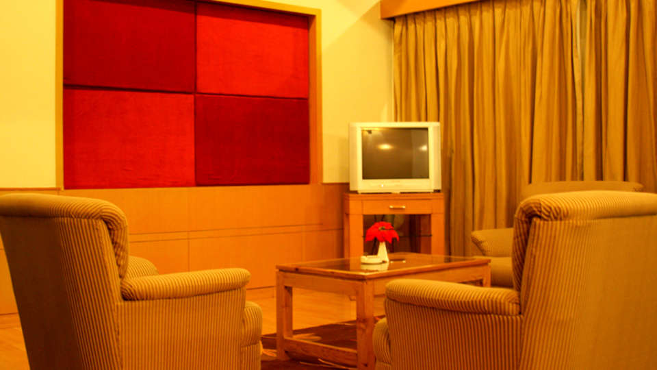 Quality Inn & Suites River Country Resort  Manali 2 Bed Room Cottage Quality Inn Suites River Country Resort Manali 3