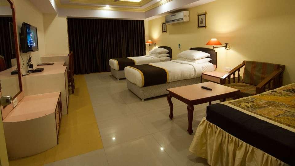 Hotel Rajputana Palace, Jodhpur Jodhpur super deluxe hotel rajputana palace jodhpur rajasthan 2