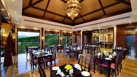 Oasis Restaurant at Ananta Udaipur 3