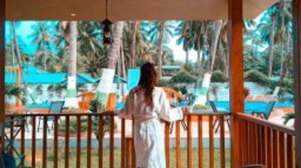 coral deluxe, coral reef resort havelock, resort in havelock