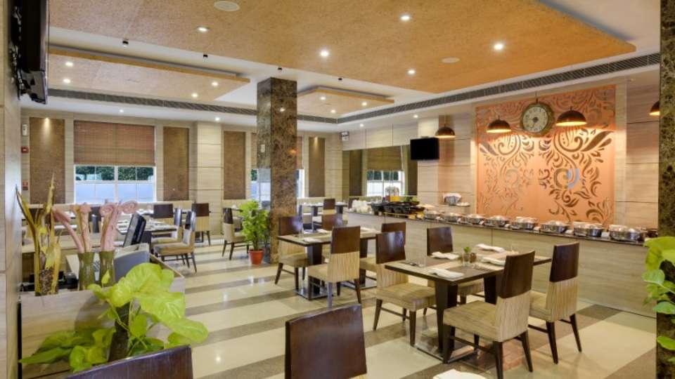 Tripti Restaurant at Nidhivan Sarovar Portico Vrindavan, vrindavan hotels 14