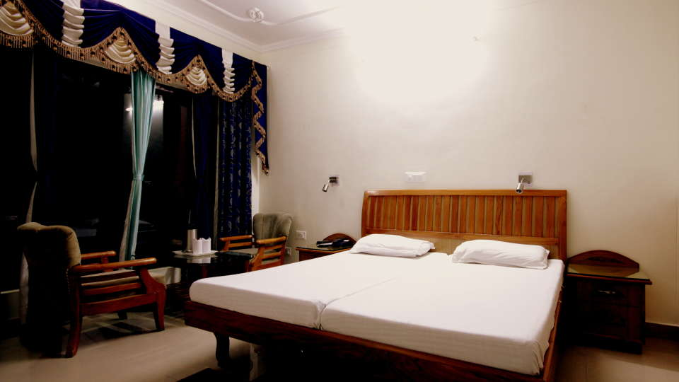 Ojaswi Resort Chaukori Chaukori Deluxe Room 1 at Ojaswi Hotel and Resort in Chaukori