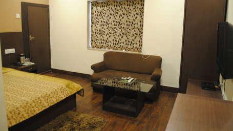 Hotel Swagath, Hazra Road, Kolkata Kolkata Deluxe Room Hotel Swagath Kolkata 10