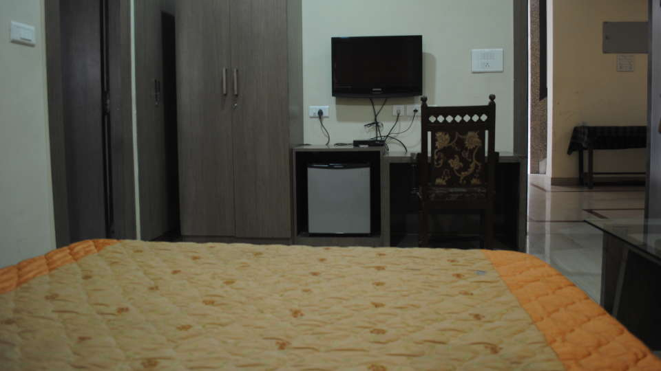 Hotel Swagath, Hazra Road, Kolkata Kolkata Deluxe Room Hotel Swagath Kolkata 2