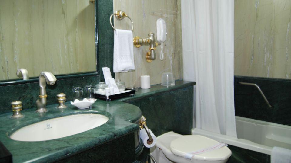 Raj Park Hotel - Chennai Chennai Deluxe Room Raj Park Hotel Alwarpet Chennai 2