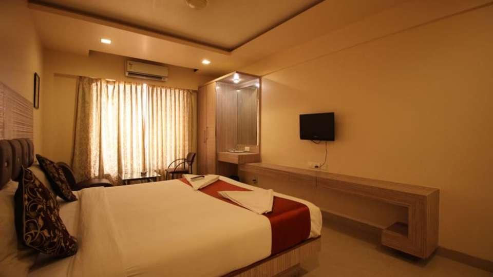 Deluxe Room 13
