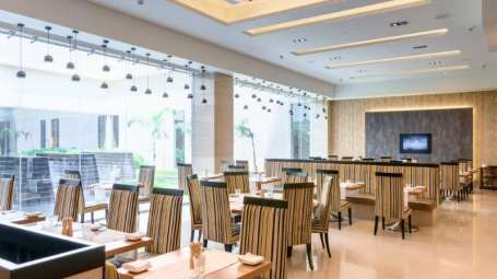 Courtyard Restaurant Balaji Sarovar Premiere Solapur-Rest