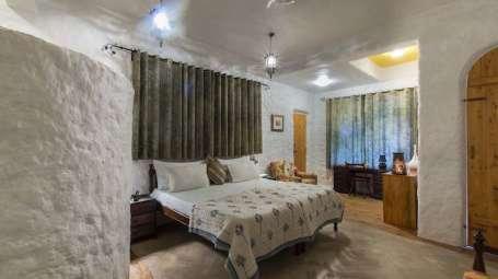 Deluxe Rooms at Bara Bungalow-Two Chimneys|Nainital Rooms