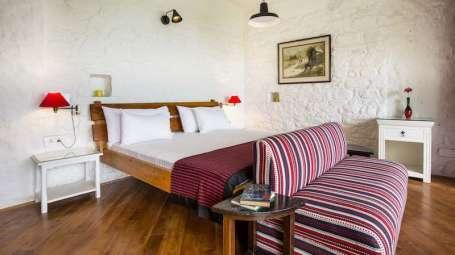 Deluxe Rooms at Bara Bungalow-Two Chimneys|Nainital Rooms 1