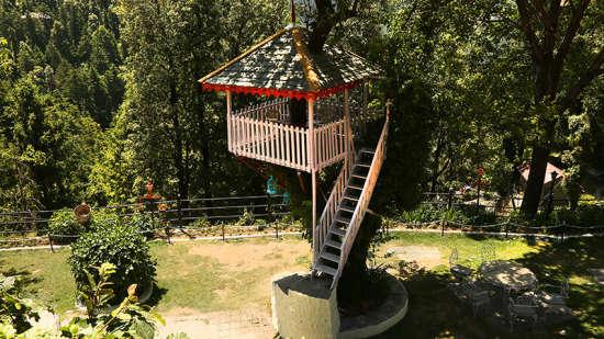 Facade of Alps Resort Dalhousie 10