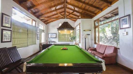 Pool Table, Bara Bungalow-Two chimneys, Nainital Resort