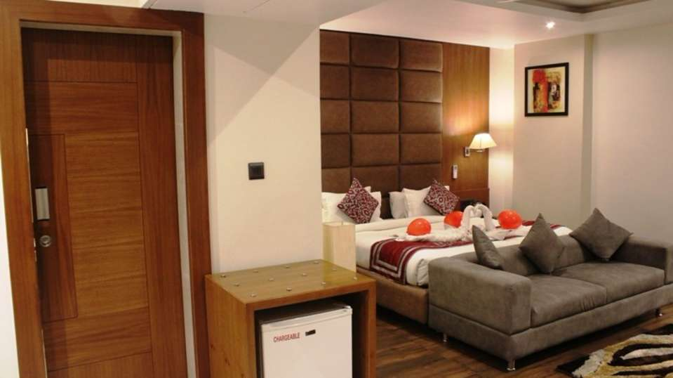 Business Suite at The Royal Melange Beacon Ajmer 4