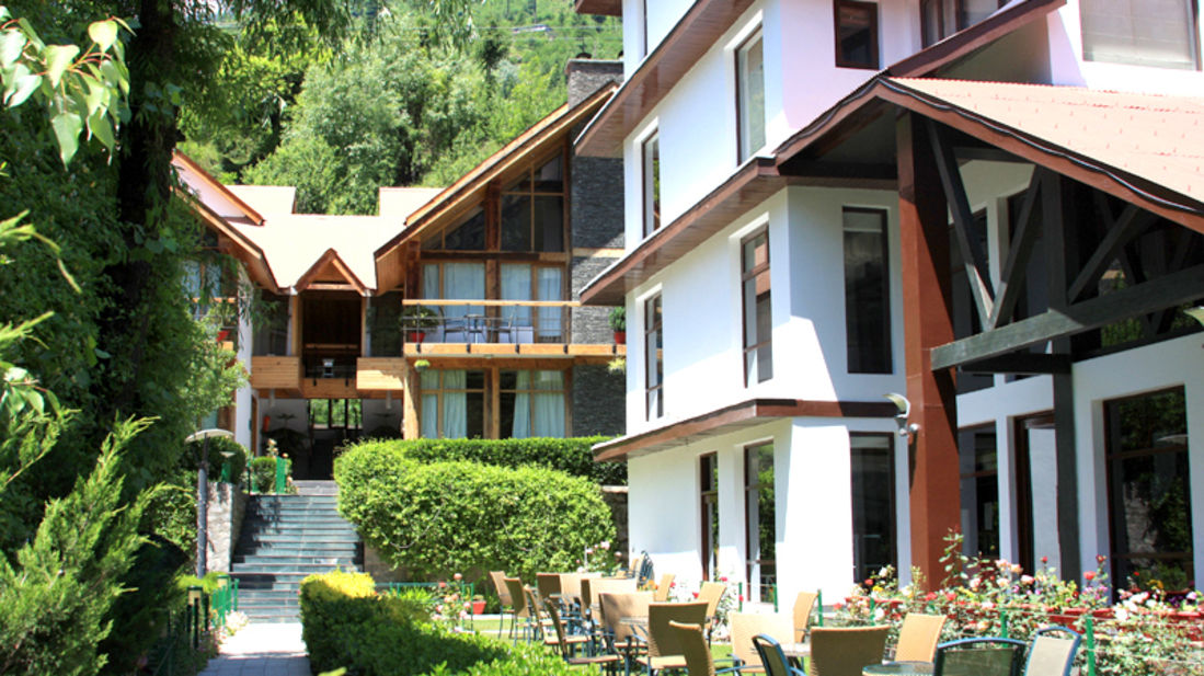 Renest River Country Resort  Manali 4 Bedroom Cottage