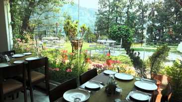 Restaurant of Alps Resort Dalhousie