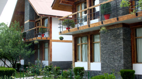 Renest River Country Resort  Manali two Bed Room Cottage