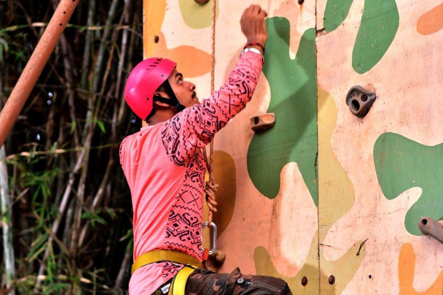 alt-text Artificial Wall Climbing - Durshet 1