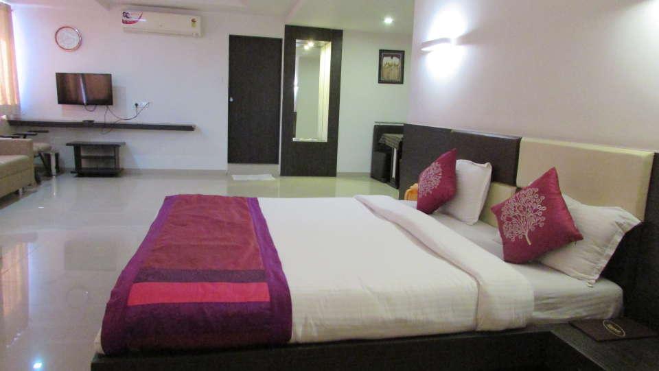 Hotel Skyland, Ahmedabad Ahmedabad Suite 10