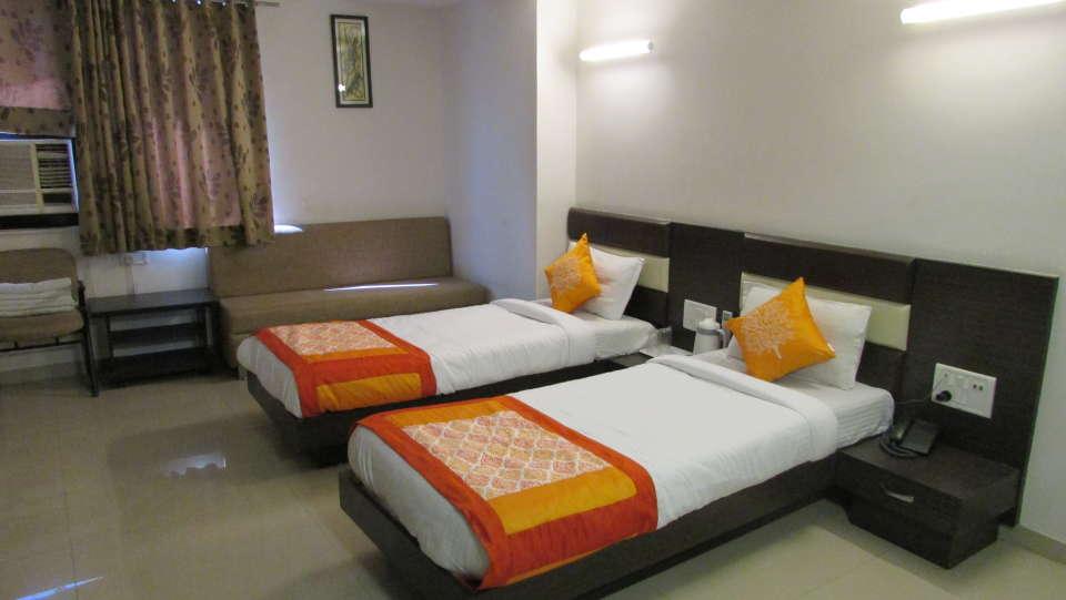 Hotel Skyland, Ahmedabad Ahmedabad Super Deluxe Room 1
